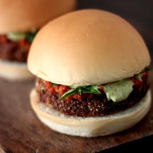 berinjela-parmegiana-burger-1400689756231_300x300